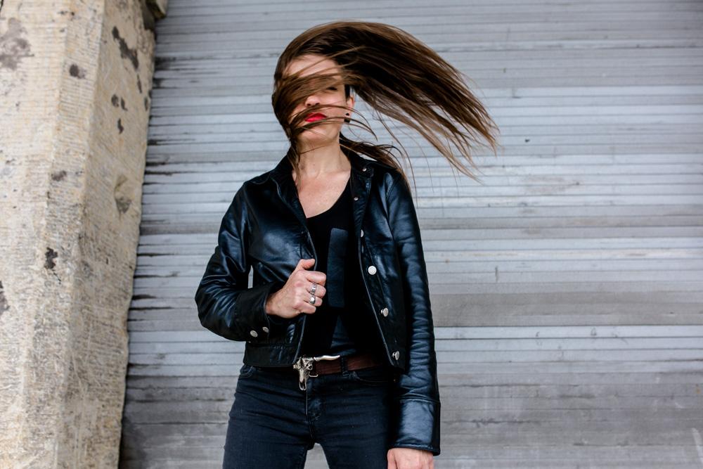 Künstlerportrait Sängerin und Songwriterin Sally Grayson