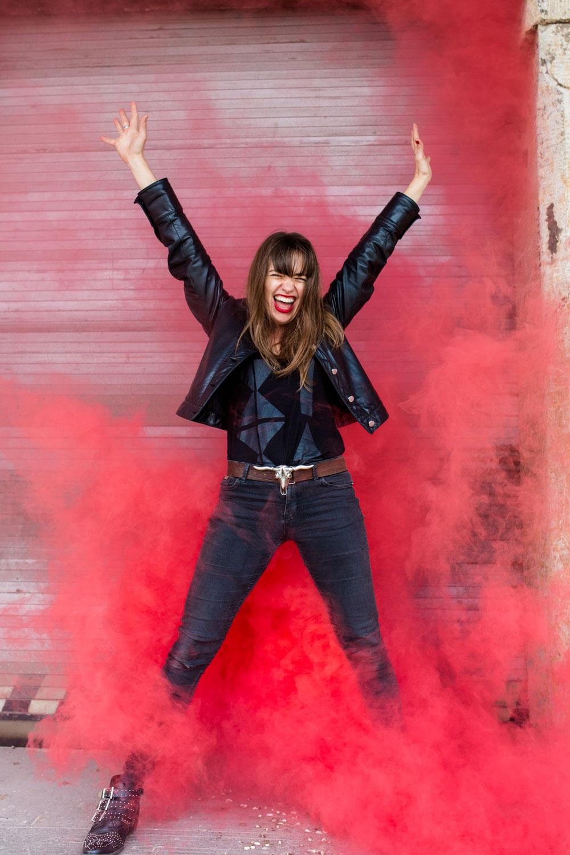 Portrait von Sängerin und Songwriterin Sally Grayson von Black Swift