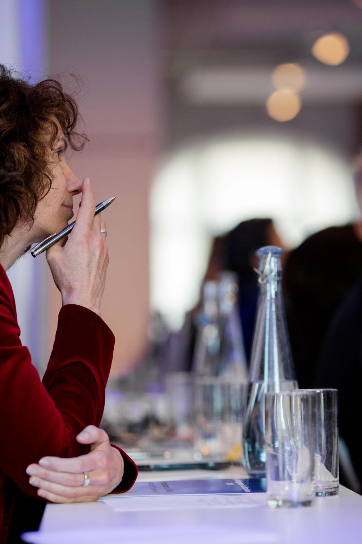 Teilnehmerin an Konferenz im Spreespeicher fotografiert von Fotograf in Berlin