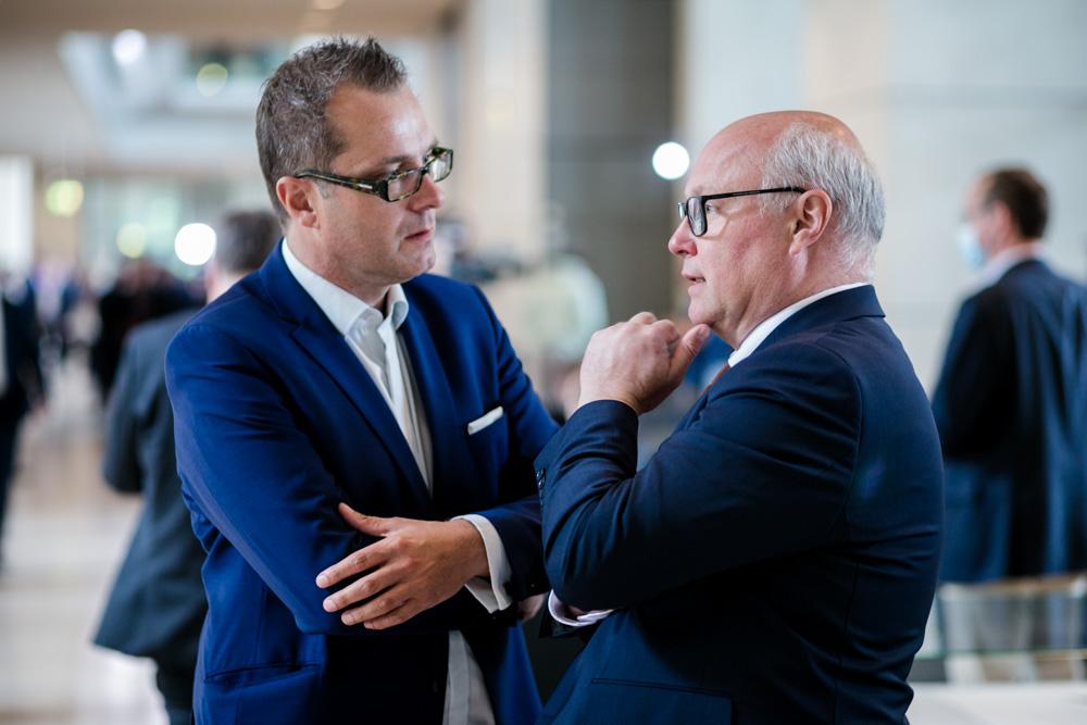 Verhandlungsexperte Friedhelm Wachs im Bundestag